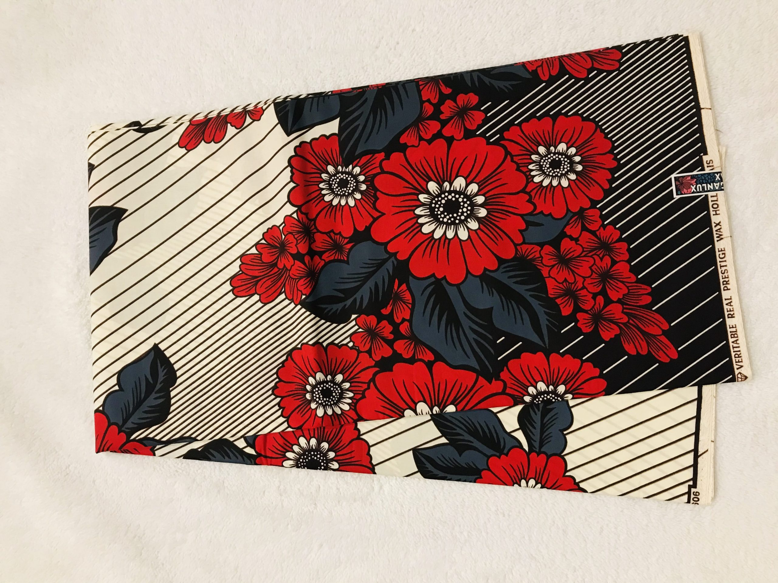 African Wax 6 yards beig and red lovers flower design